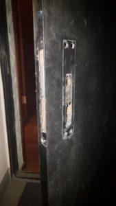 фото - подготовка внутренней стороны двери